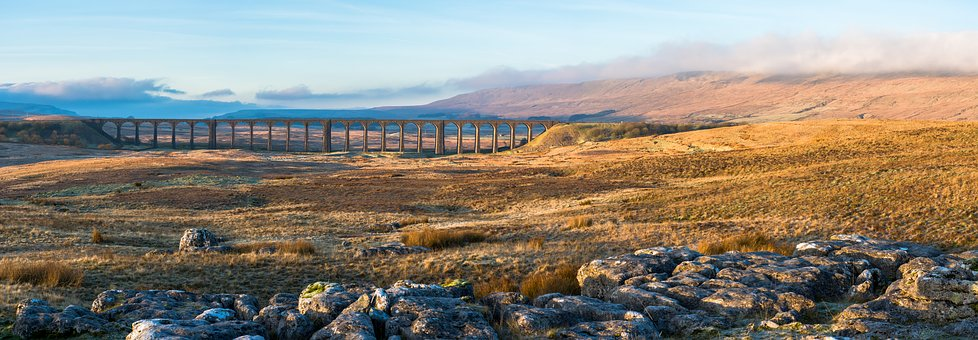 ribblehead-viaduct-2443093__340.jpg